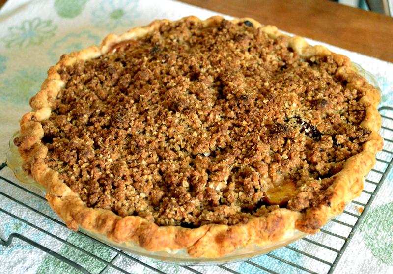 grannie geek, peach crumble pie