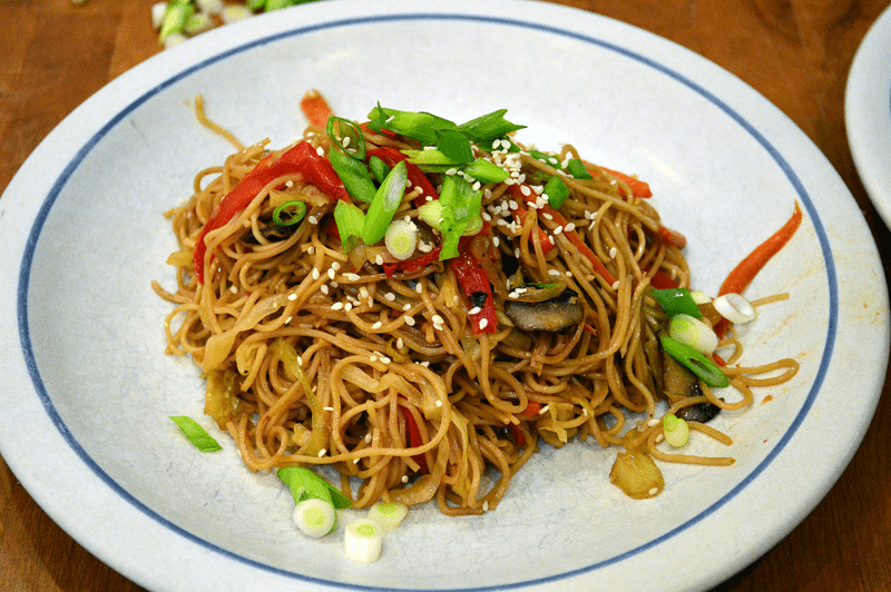 grannie geek, vegetable chow mein